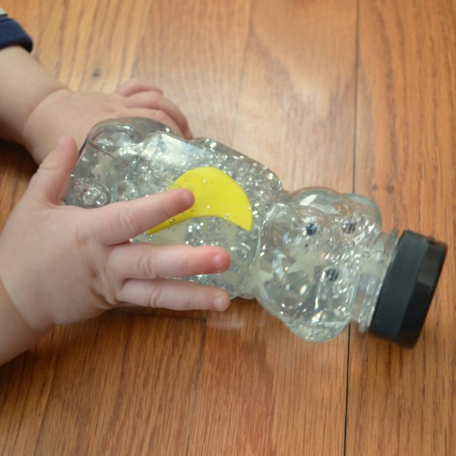 Good Night Moon sensory bottle. Cute activity for this classic book!