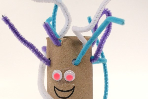 Fun and simple fine motor idea for preschool. Create fine motor monsters. Great for Halloween or anytime!