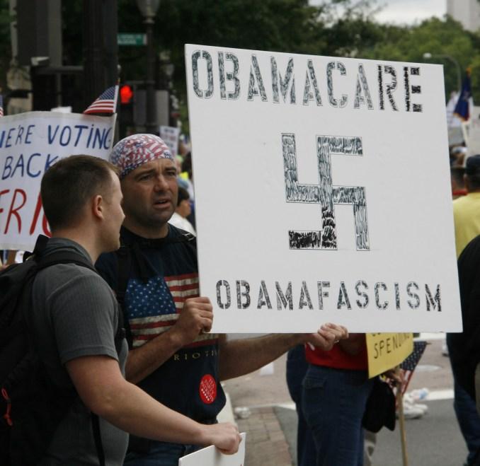 Obama-Nazi_comparison_-_Tea_Party_protest