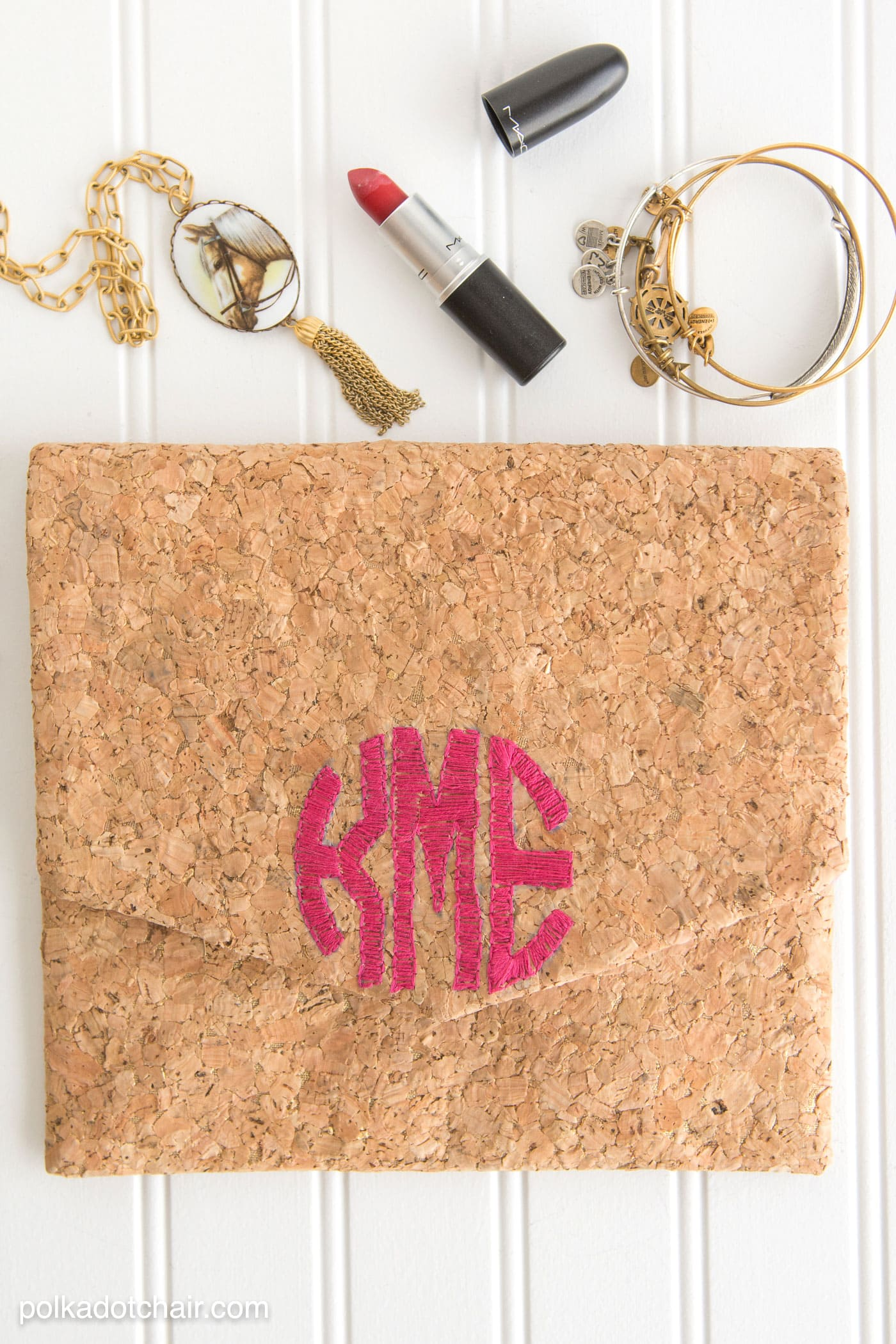diy monogrammed cork clutch tutorial