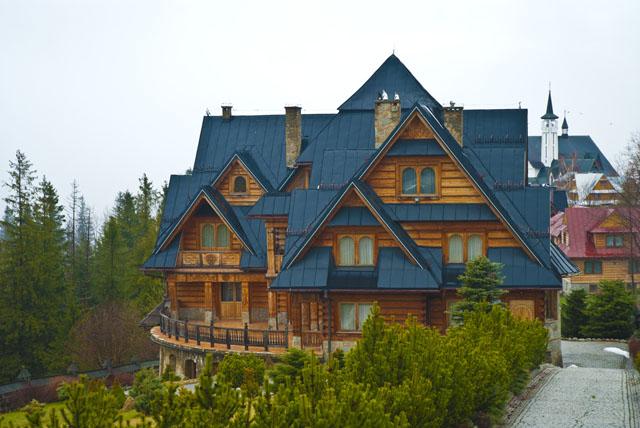 Zakopane poland 39 s winter capital in the tatra mountains pommie travels - Traditional polish houses wood mastership ...