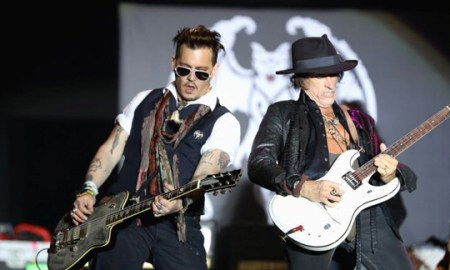 HERBORN, GERMANY - MAY 29:  Actor/Musician Johnny Depp and Musician Joe Perry of Hollywood Vampires perform onstage at Hessentags-Arena during the 56th Hessentag on May 29, 2016 in Herborn, Germany.  (Photo by Andreas Rentz/Getty Images)