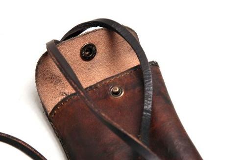 The Want | Royal RepubliQ Vintage Phone Pocket