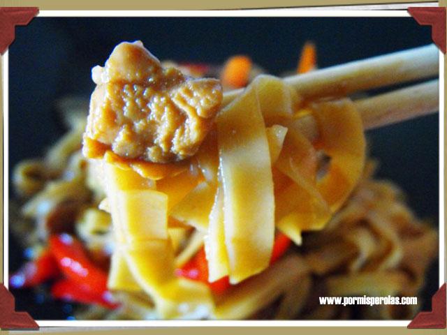 Tallarines estilo chino