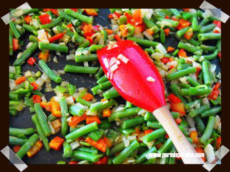Arroz con verduras y butifarras