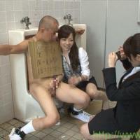 公衆トイレで全裸にされた童貞ボーイがOLたちに犯されちゃったww