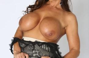 Lisa Ann en una sesion de fotos xxx muy sexys