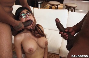 fotos Mia Khalifa es engañada por su novio y se va con dos negros