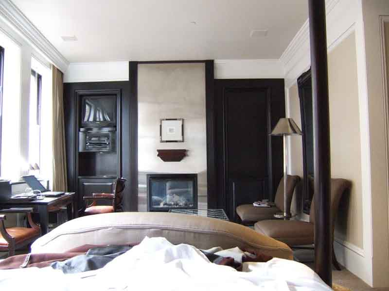 How to Accessorize with a Bedroom