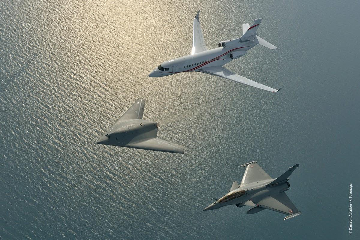 Première mondiale de Dassault: évolutions en patrouille serrée pour le nEUROn, un Rafale et un Falcon 7X