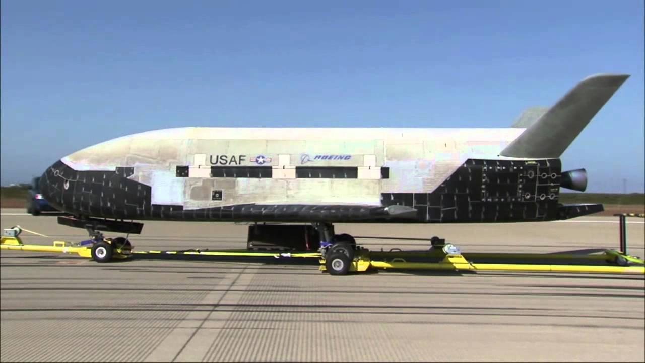Le X-37B après son atterrissage en 2012. Crédit photo USAF