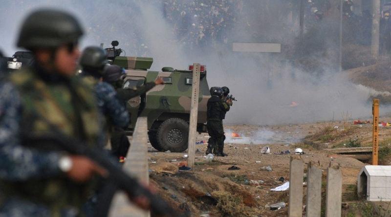 fuerzas-militares-de-bolivia-en-enfrentamiento-con-cocaleros-afines-a-evo-morales