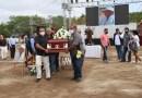 """Rinden Homenaje de Cuerpo Presente al """"Pajarito"""", en Terreno donde Construía La Petatera"""