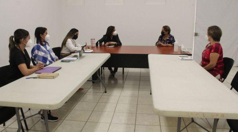 Salud-Fotonota-Salud.-Reunion-con-el-patronato-Casa-Hogar-para-madres-solteras-Rita-Ruiz-Velazco
