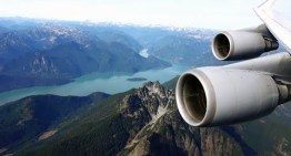 Lufthansa Boeing 747-400 – EXTREME low pass over Coast Mountain Range on approach to Vancouver