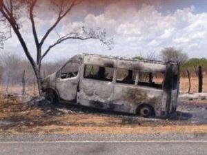 Van de empresário da PB é incendiada após ele fugir de suposta tentativa de assalto