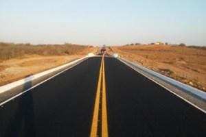 Ricardo Coutinho assina ordem de serviço para obras de pavimentação no Litoral Sul