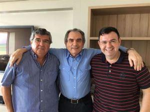 Roberto e Raniery Paulino aderem ao grupo de Lira no PMDB
