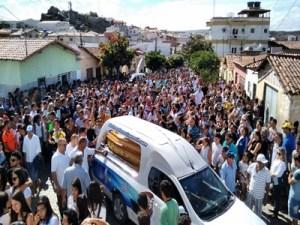 Sociedade picuiense da adeus ao jovem Antonio Netto na manhã desta terça-feira (18)