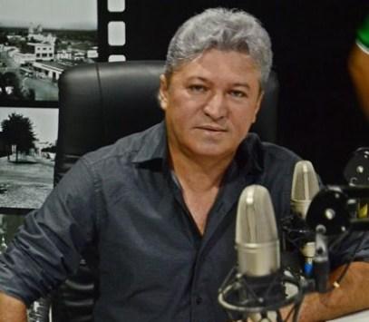 Resultado de imagem para Candidato a prefeito diz que vai doar salário para a população se for eleito, na Paraíba