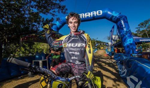 Lucas de Borba é campeão do Open Shimano em Balneário Camboriú