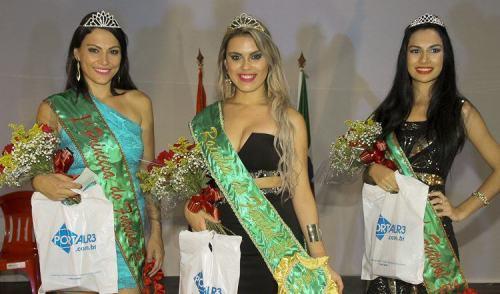 VÍDEO: Concurso elege Rainha e Princesas do Futebol em Pinda