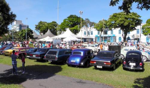 VÍDEO: 2º Encontro de Autos Antigos em Pindamonhangaba