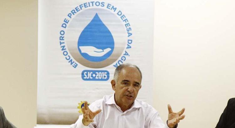 Prefeitos debatem crise hídrica com presidente da ANA em São José