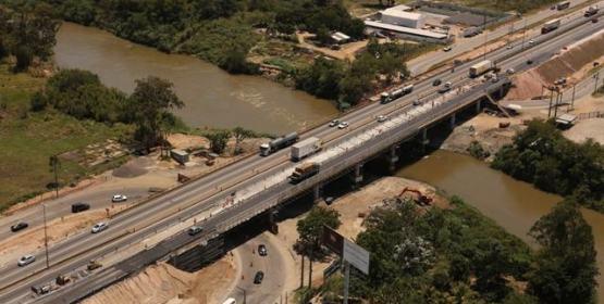 NovaDutra realiza obras na ponte sobre o rio Paraíba em Jacareí
