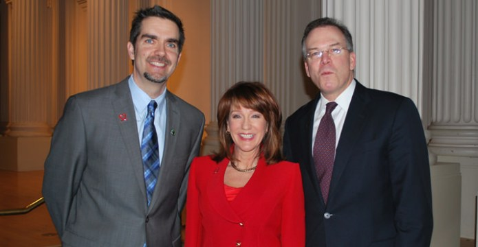Andy Nelson, Executive Director of Hands on Greater Portland, Laurel Porter from KGW, City Commissioner Nick Fish
