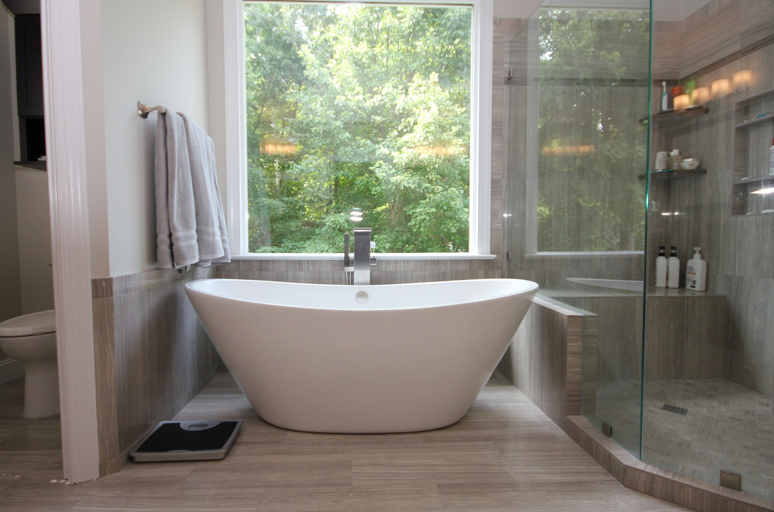 Bathrooms With Freestanding Tubs