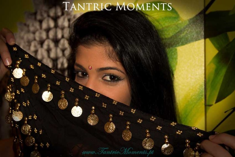 Akhyla Tantric Moments