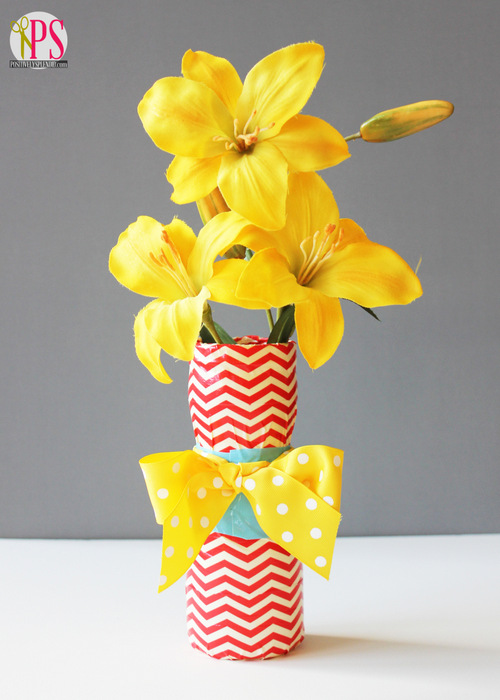 Upcycled Plastic Container and Duct Tape Vase Craft :: PositivelySplendid.com
