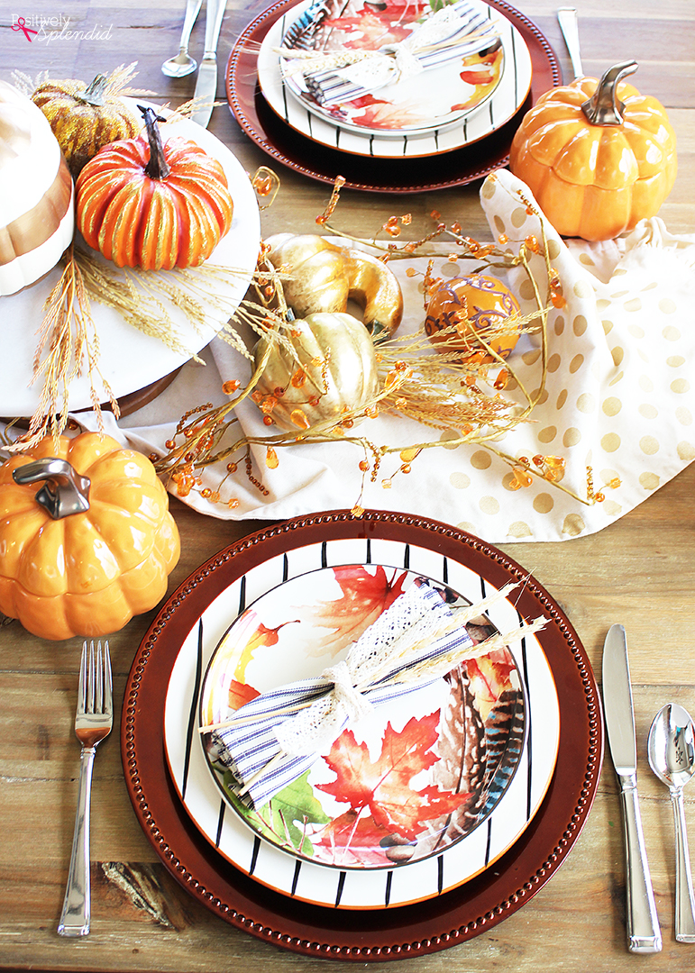 This colorful fall tablescape would be perfect for holiday entertaining! #bhglivebetterThis colorful fall tables cape would be perfect for holiday entertaining! #bhglivebetter