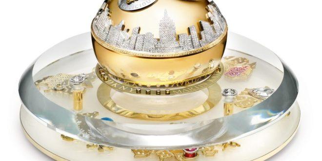 dkny-2011-golden-delicious-million-dollar-bottle-set-hi-res