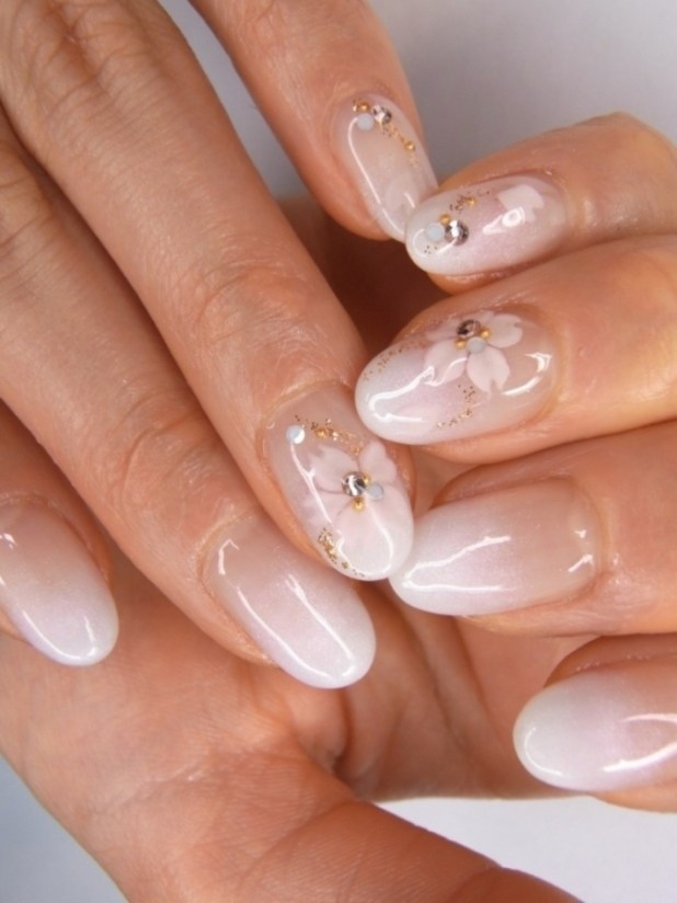 floral_nail_art What Are the Latest Beauty Trends for 2014?