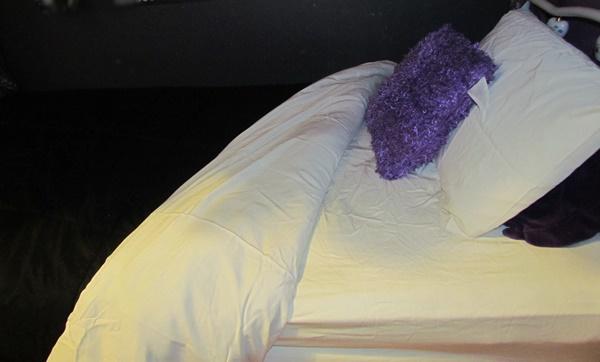 bed sheets close up