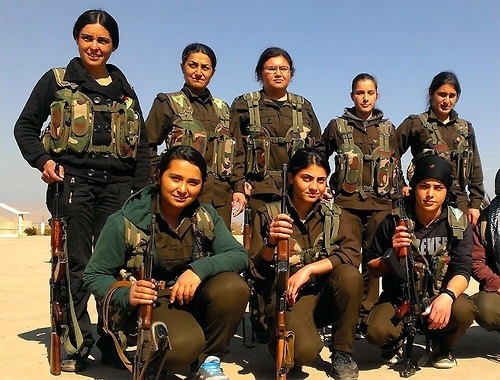 female-kurdish-fighter2