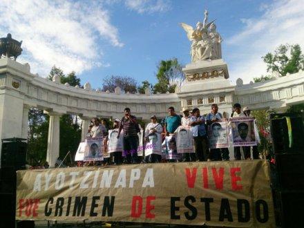 AYOTZINAPA: Si no fuera por expertos internacionales, EPN mantendría su verdad histórica.
