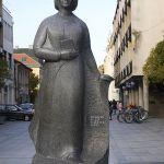 Spomenik Desanki Maksimović u Valjevu