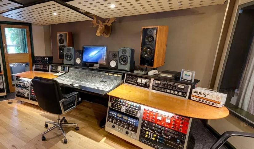 Premises Recording Amp Rehearsal Studios In London