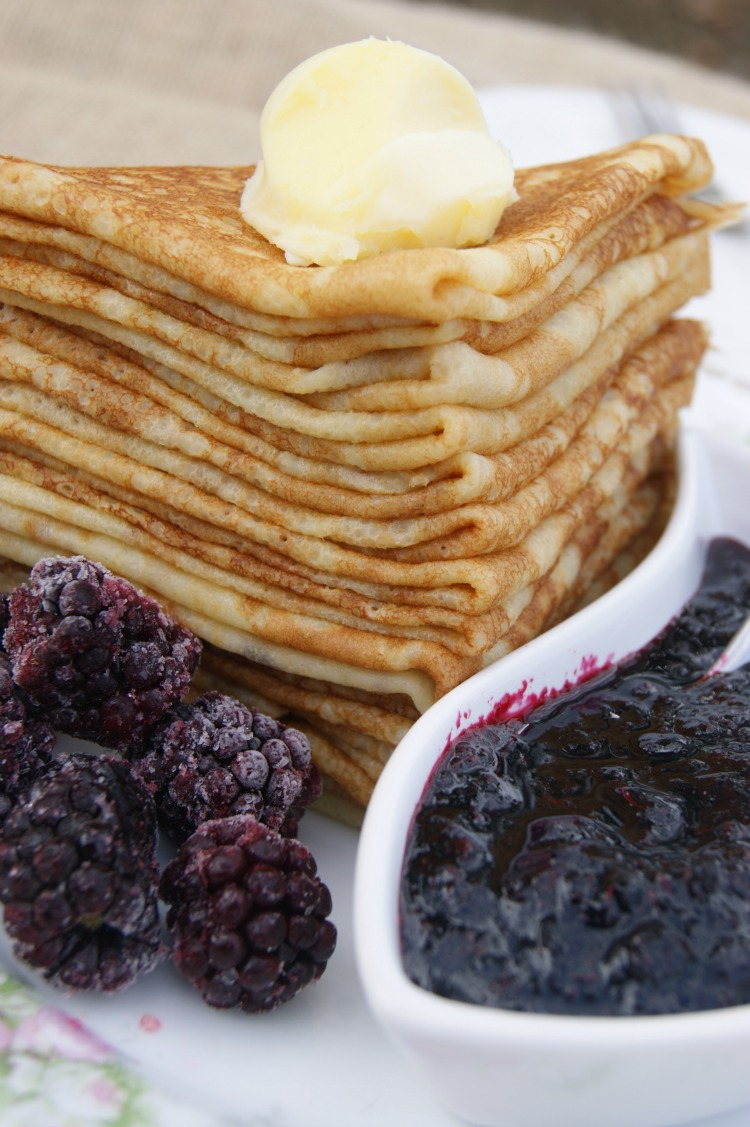 Grain-FREE French Crepes - totally gluten-free, grain-free crepes made with #cassava flour. Can be eaten sweet or savory with your favorite toppings!