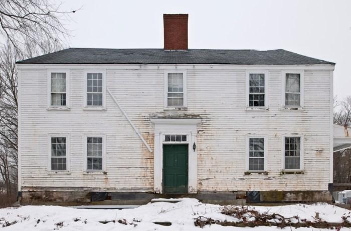 O'Kane Farmhouse, Full Frontal
