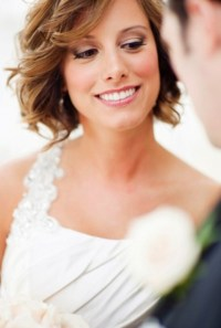 Short Wavy Wedding Hairstyle with Bangs - Pretty Designs