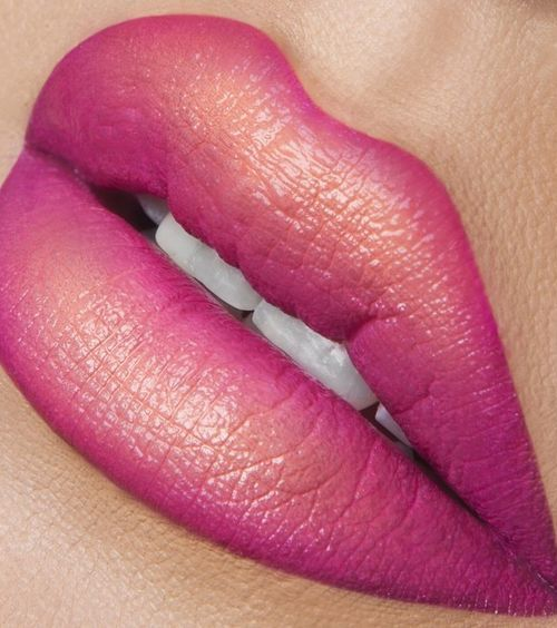 How to Pull Off Ombré Lips