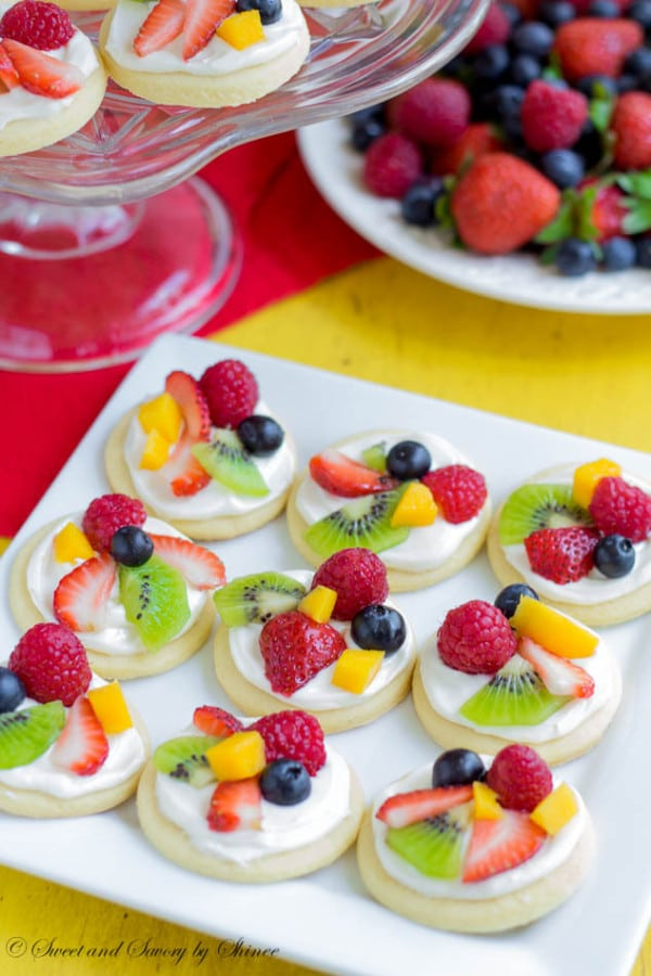 Mini Fruit Pizzas Toddler Birthday Party Finger Foods Pretty My Party