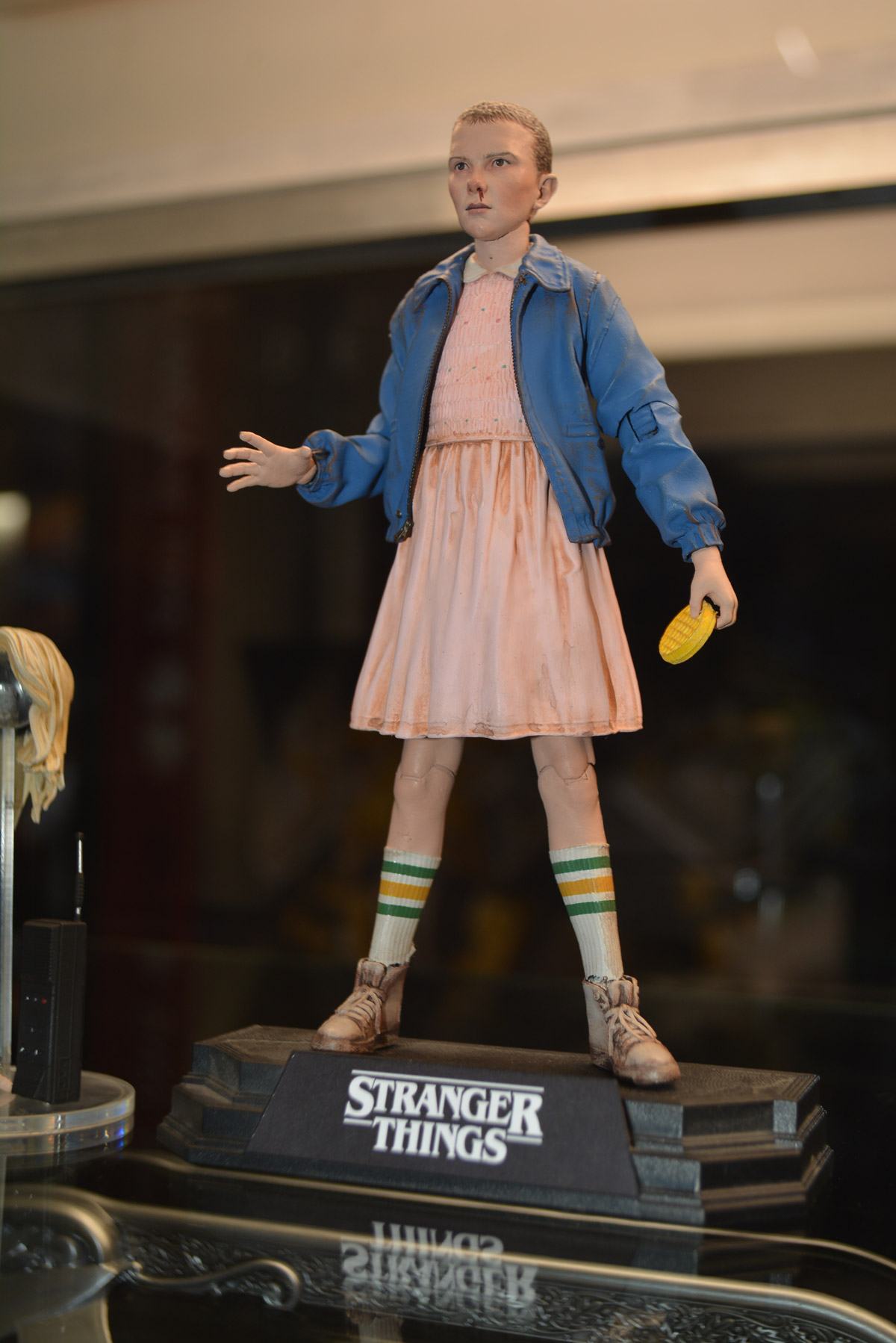 Fall Wallpaper 2017 Stranger Things Figures Debut At Sdcc 2017 Previews World