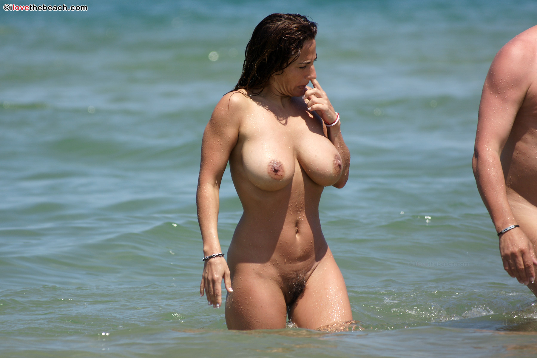 naked pictures of aussie beach babes - porn pics and movies