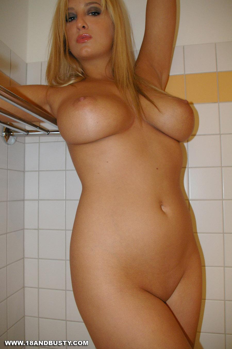 kelly harmon nude