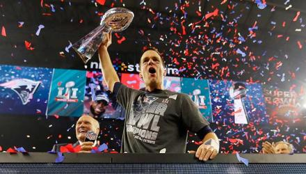 Super-Bowl-LI-Tom-Brady-02